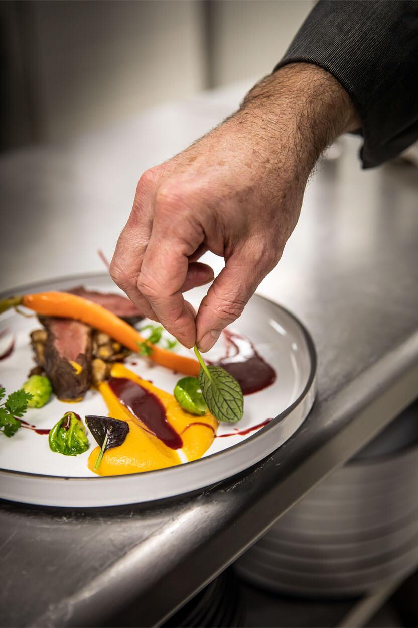 cuisinier herbe plat